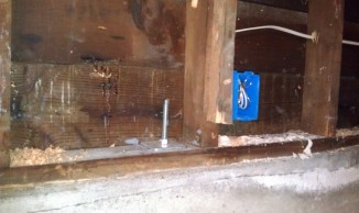 Earthquake bolt - tied down